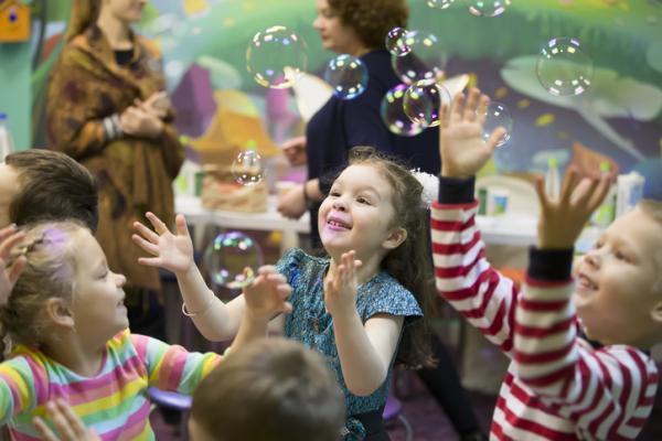 Juegos para niños hiperactivos - Explotar pompas