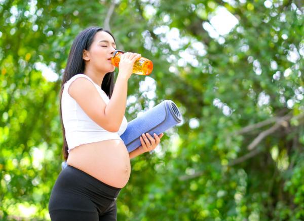 Por qué se pone la barriga dura en el embarazo