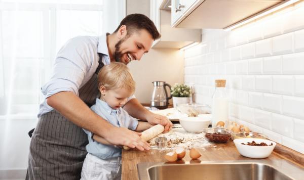 Cómo hacer galletas para bebés de 6 meses - Cómo implicar al bebé en la cocina