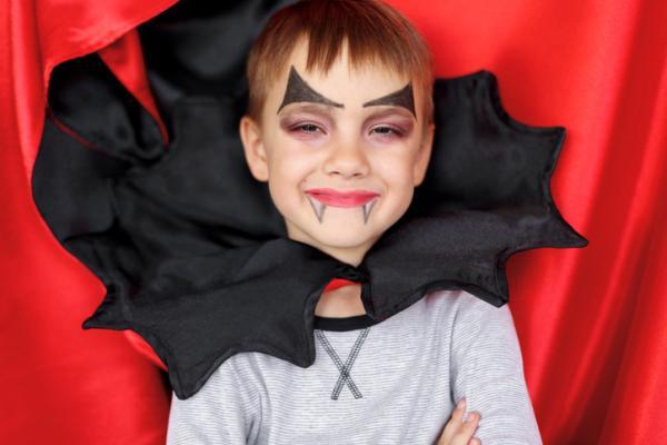 Juegos para niños de cuatro años - Baúl de disfraces