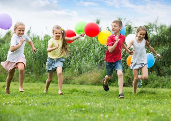 Juegos para niños de cuatro años - Carreras de globos