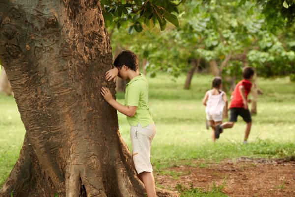 Juegos en grupo para niños de 4 a 5 años - El escondite