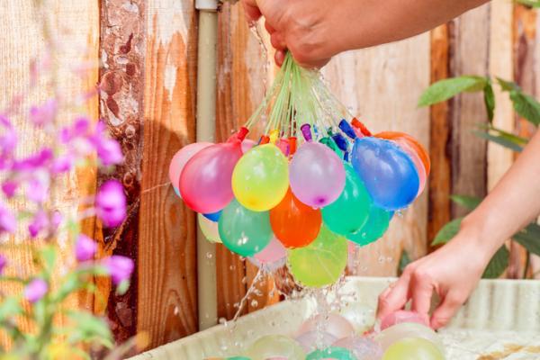 Juegos en grupo para niños de 4 a 5 años - Guerra acuática