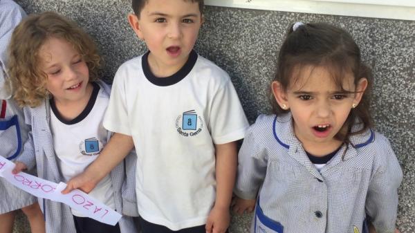 Juegos en grupo para niños de 4 a 5 años - Palabras encadenadas