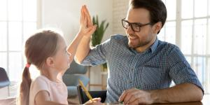 Qué es el refuerzo positivo en niños y ejemplos