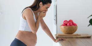 ¿Es normal tener mucha barriga al principio del embarazo?