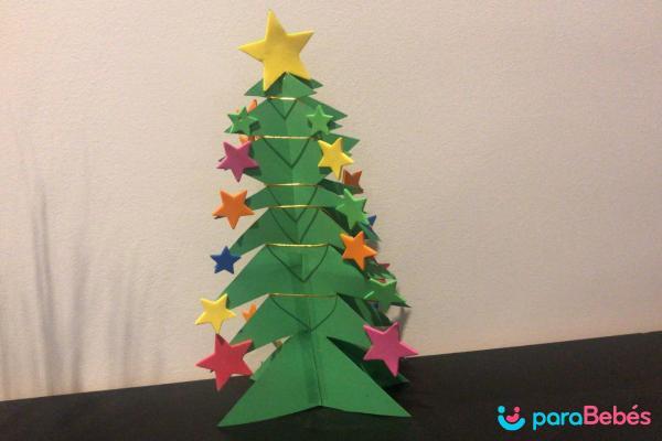 Manualidades de Navidad para niños fáciles - Árbol de Navidad de cartulina