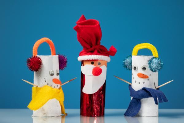 Manualidades de Navidad para niños fáciles - Figuras navideñas con rollos de papel