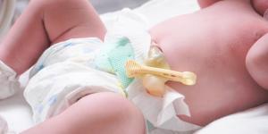 Cómo curar el ombligo de un recién nacido