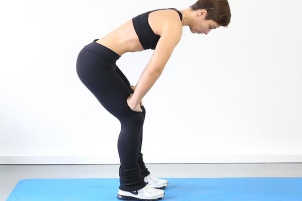 Ejercicios hipopresivos postparto - Continúa el ejercicio tomando aire y mantenlo