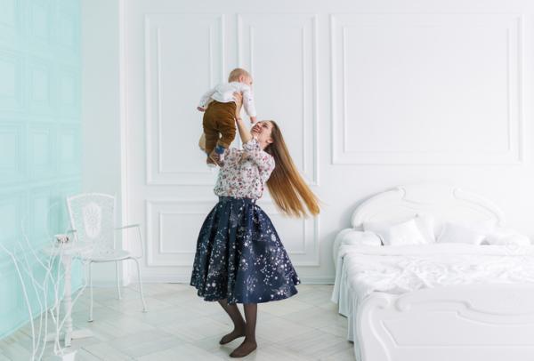 Juegos para bebés de 4 meses - Hora de bailar