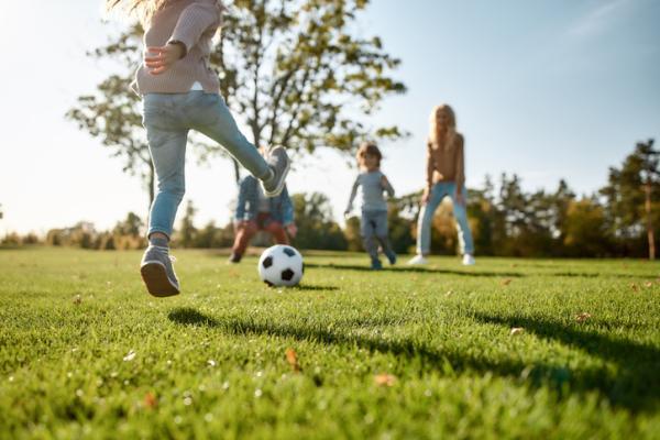 Juegos deportivos para niños - Atrapa balones