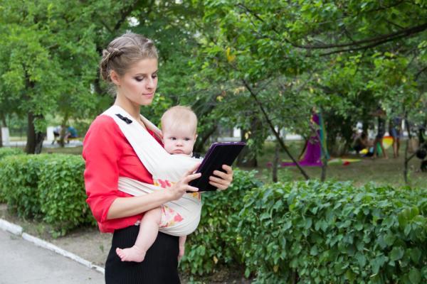 Porteo ergonómico: qué es, beneficios y tipos - Portabebé mei tai