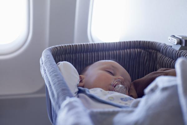 A qué edad puede viajar un bebé en avión - A partir de qué edad puede viajar un bebé en avión