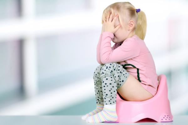 Cuándo y cómo quitar el pañal - Mi bebé no quiere hacer caca en el WC