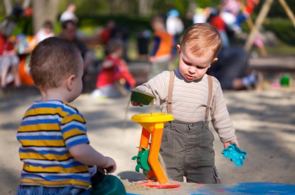 Juegos para bebés de 1 año - El parque