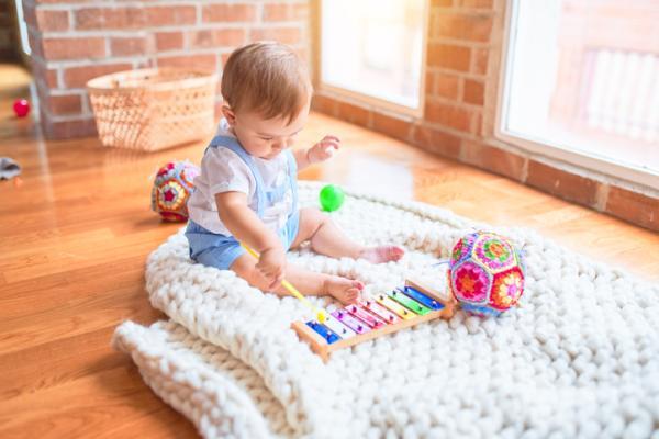 Juegos para bebés de 3 meses - Música