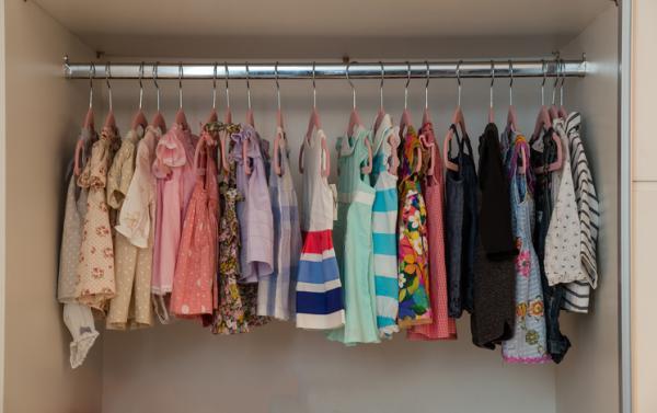 Cómo guardar ropa de bebé para que no se estropee