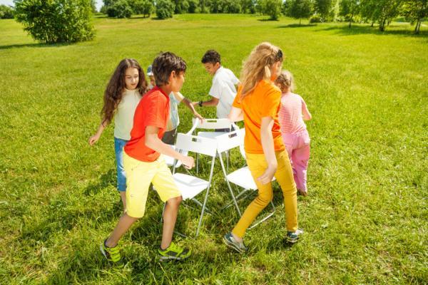 Juegos de resolución de conflictos para niños de primaria - El juego de las sillas