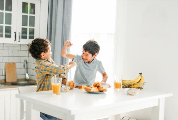 ¿Qué hacer cuando un niño pega a tu hijo?