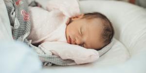 Cómo saber si un bebé tiene frío