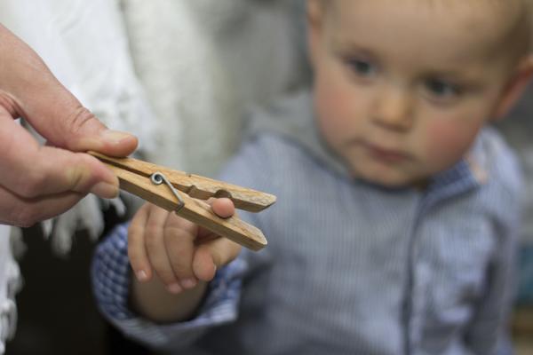 Qué enseñar a un niño de 2 años en casa - Motricidad fina
