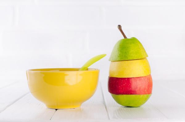 ¿Fruta cocida o cruda para bebés?