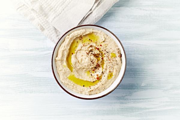 Comidas saludables para niños - Hummus clásico