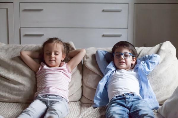 Meditación para niños: ejercicios y técnicas - Silencio, vamos a escuchar