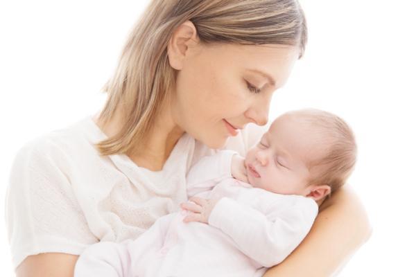 Cuidados del recién nacido en casa: 16 pautas básicas