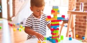 ¿Los niños que tardan en hablar son más inteligentes?