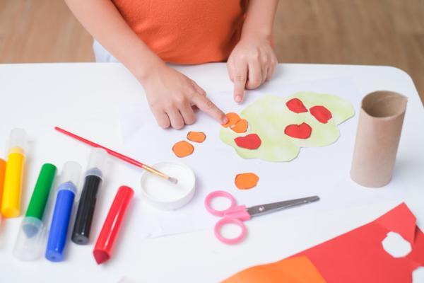 Juguetes Montessori para bebés - Tubos