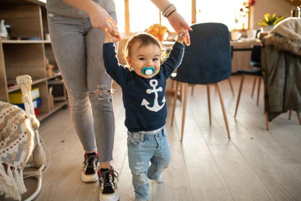 Cuándo empieza a caminar un bebé