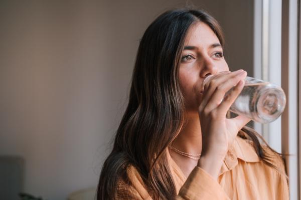 Cómo quitar las estrías después del embarazo - Hidratación adecuada