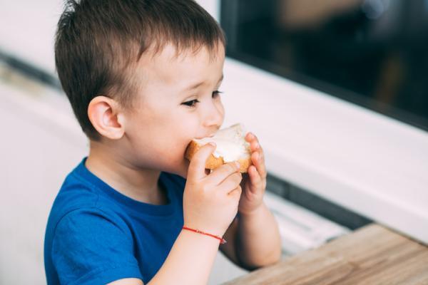 Meriendas saludables para niños - Pan con queso
