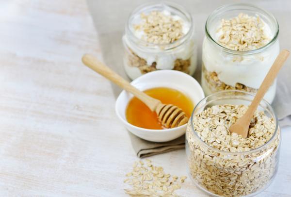 Meriendas saludables para niños - Yogurt con avena