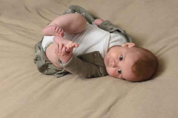 Qué hace un bebé de 5 meses - Desarrollo evolutivo de un bebé de 5 meses