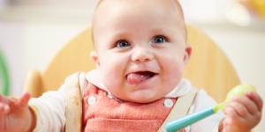 Qué hace un bebé de 5 meses