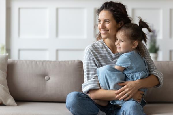 Padres permisivos: características y consecuencias para sus hijos