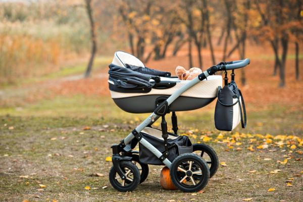 Lista regalos para un baby shower - Cochecito de paseo