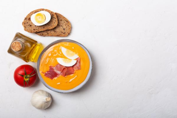 Cenas saludables para niños - Salmorejo y queso