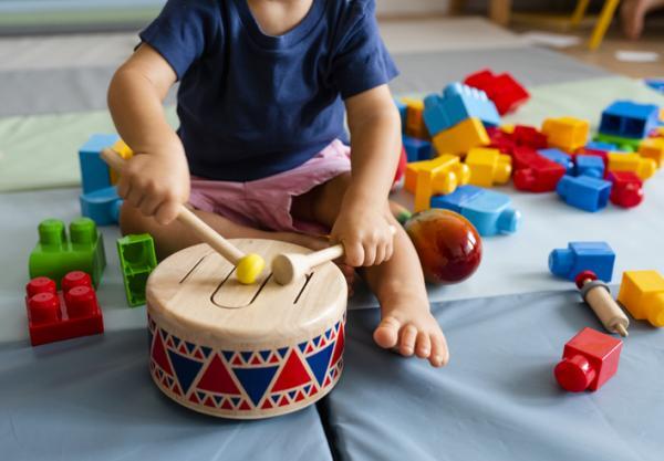 Beneficios de la música en los niños - Mejora el desarrollo psicomotor