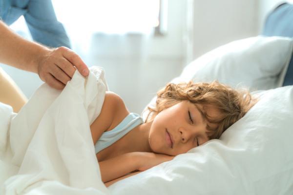 Convulsiones en niños dormidos: síntomas, causas, tipos y tratamiento
